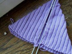 Dwarf hat – a guide Crochet Hooks, Crochet Baby, Knit Crochet, Thick Yarn, Chunky Yarn, Easy Knitting, Knitting Patterns, Dwarf Hat, Ravelry