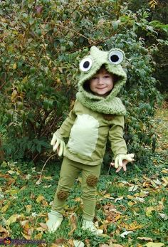 Ali: Our two year old loves frogs and has been saying for months that she wanted to be a frog for Halloween so we made it happen! I found the head...