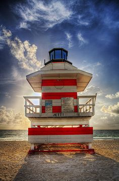 Solid-Faced Canvas Print Wall Art Print entitled Jetty Life Guard House, Miami Beach, None Florida Keys, Miami Florida, Florida Beaches, South Florida, Costa, Paradis Tropical, Guard House, Places Worth Visiting, South Beach Miami