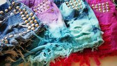 Carnaval -  Aposte nos looks com shorts jeans customizados. Faça você mesmo short dip dyed ou com aplicações