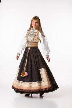 European Wedding, Scandinavian Fashion, Russian Fashion, Belly Dancers, Ethnic Fashion, Fashion Outfits, Womens Fashion, Traditional Dresses, Types Of Fashion Styles