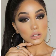 Classic Smokey Eye Dramatic Makeup Look - Make up - Exotic Makeup, Dramatic Eye Makeup, Smoky Eye Makeup, Hooded Eye Makeup, Makeup For Green Eyes, Natural Eye Makeup, Simple Eye Makeup, Flawless Makeup, Gorgeous Makeup