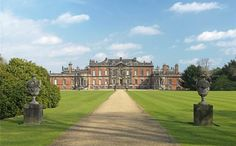 Wentworth Woodhouse - English country homes for sale with Downton Abbey Manor Style Photos English Country Manor, English Manor Houses, English House, English Style, English Countryside, Architectural Digest, Country Homes For Sale, Country Houses, Wentworth Woodhouse
