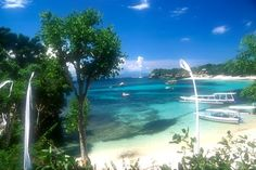 Beautiful Beach in Mushroom Bay, Nusa Lembongan | Bali, Indonesia