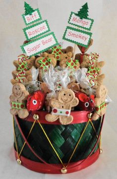 Custom treat baskets for pets Cat Gifts, Dog Lover Gifts, Dog Lovers, Sugar Bears, Dog Christmas Gifts, Basket Gift, Candy Bouquet, Dog Treats, Puppy Love