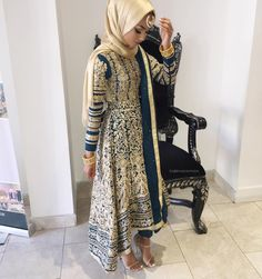 How to wear hijab with asian outfits Eid Outfits, Pakistani Outfits, Indian Outfits, Fashion Outfits, Modest Outfits, Dress Outfits, Women's Fashion, Modern Hijab Fashion, Asian Fashion