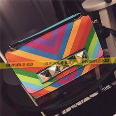 """Cумка """"V*lentino"""" радуга (AS40)  Красивая и очень яркая сумка среднего размера. Модель представлена в сочетании ярких цветов. Сумка закрывается на молнию и на клапан с магнитами. Есть ручка для ношения сумки на сгибе локтя и ремешок для ношения на плече.   #invisiblekid #сумка #мода #bag #купить"""