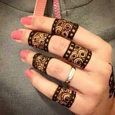 ♥♥♥♥ henna mendhi on fingers