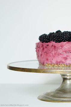 #Blackcurrant #tart with #boysenberries