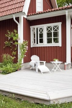 Swedish Cottage, Red Cottage, Cottage Homes, Sweden House, Red Houses, Scandinavian Home, House Goals, Architecture Details, House Colors