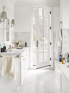 All white—from floor to ceiling—makes a bold statement.