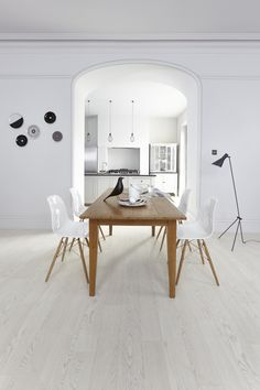 Top Flooring Trends for 2015 including chic Vinyl and striped carpet. Vinyl Wood Flooring, Wood Vinyl, Rustic Industrial Decor, Kitchen Wall Colors, Bedroom Carpet, Trendy Home, Carpet Flooring, How To Clean Carpet, Interior Inspiration