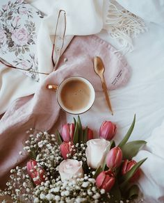Happy Morning, Good Morning Coffee, Hello March, Winter Coffee, Mothers Day Cake, Coffee Instagram, Coffee Photography, Cafe Food, Pure Products