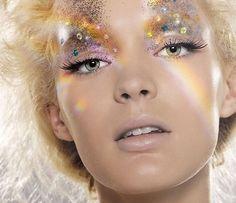 Dramatic Glitter Makeup - Likes
