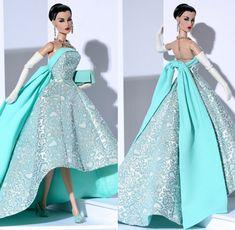 Barbie Clothes Patterns, Doll Clothes Barbie, Doll Dress Patterns, Fashion Royalty Dolls, Fashion Dolls, Fashion Dresses, Barbie Gowns, Barbie Dress, Barbie Mode