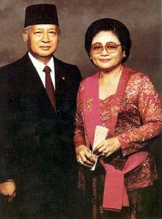 kebaya ibu tien suharto - Google Search