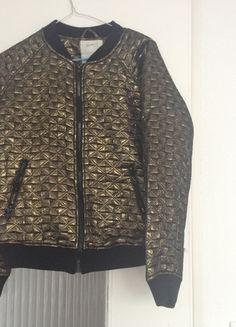 22af3703ed6a86 Goldene Vintage Bomber-Jacke S 38 Kleiderschrank, Jacken, Kleidung,  Herrenpullover, Zara