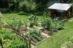 Prairie's Edge Farm: gardening