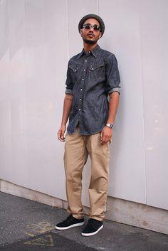 ルードなんだけど品のある着こなしが◎。足元のPUMAも上品。