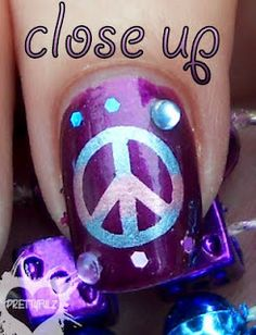 Prettyfulz: Peace Sign Nail Art Design & Poll Results - Red Unicorn Crazy Nail Art, Crazy Nails, Nail Art Designs Images, Nail Designs, Fourth Of July Nails Easy, Peace Sign Nails, Hippie Nails, Caviar Nails, Girls Nails
