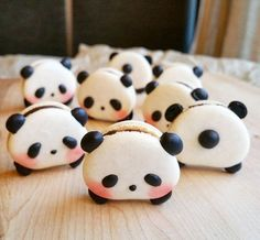 Just when you thought macarons couldn't get any cuter, somebody dialed it up to a 10 and made them panda-shaped.