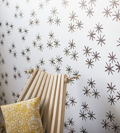 DIY: starbust 'wallpaper' from stamp stencil paint