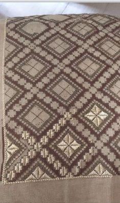 Cross Stitch Patterns, Bohemian Rug, Beaded Bracelets, Rugs, 1, Handmade, Decor, Needlepoint, Farmhouse Rugs