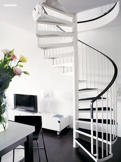 A nicer white metal spiral then what we have...Photo from the Finnish magazine Avotakka.