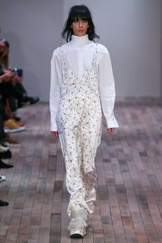 Fall 2017 Ready-to-Wear Collection Photos - Vogue Fashion Week, Love Fashion, Fashion Show, Autumn Fashion, Fashion Outfits, Fashion Design, Fashion Trends, Vogue Paris, Mannequins