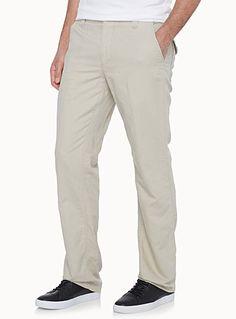 Exclusivité du 31 pour homme Un incontournable de la saison chaude Notre style nommé Sydney qui définit un pantalon jambe droite Taille ajustable sur cordon coulissant intérieur Léger tissage de coton et de lin tout confort Le mannequin porte la taille 32