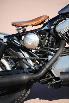 Un bobber su base HD Sportster | Moto Custom Blog - Harley Davidson, Cafè Racer, Bobber, Biker, Pin Up, Tattoo