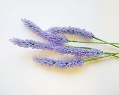 tutorial for french beaded lavender stems...she has lots of free tutorials for techniques and whole flowers, nice website