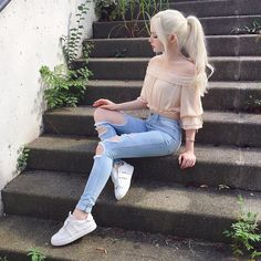 top hipster outfits that will inspire you 19 Hipster Outfits, Mode Outfits, Girl Outfits, Fashion Outfits, Fashion Fashion, High Fashion, Dove Cameron Style, Mode Kawaii, Actrices Sexy