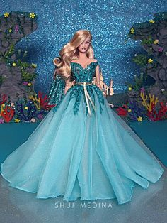 Buy products such as Barbie DreamHouse, Disney Minnie Mouse Store & Organize Plastic Toy Box by Delta Children at Walmart and save. Barbie Gowns, Doll Clothes Barbie, Beautiful Barbie Dolls, Barbie Dream, Vintage Barbie, Vintage Dolls, Barbie Fashionista Dolls, Barbie Wedding, Bob Mackie
