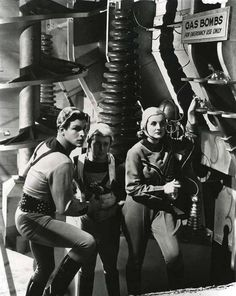 Buster Crabbe Jackie Moran & Constance Moore in Buck Rogers (serial) ' GAS BOMBS' for emerency use only Rick And Morty Poster, Flash Gordon, Photo Checks, Sci Fi Movies, Weird World, Retro Futurism, Tarzan, Sci Fi Fantasy, Sci Fi Art
