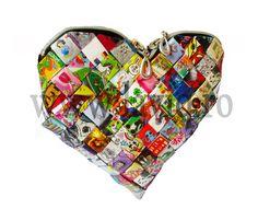 GEANTA ECO INIMA DESENE ANIMATE - model candy wrapper bag, cu decupaje din reviste, rezistenta la umezeala ,fermoar, lucrata manual, potrivita pentru tinute de zi si de seara — www.laviq.ro www.facebook.com/pages/LaviQ/206808016028814