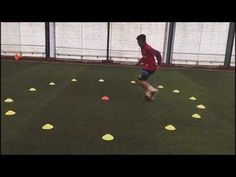 If you are about to start soccer training for the first time, it is extremely important to understand the various team positions in the game. Having a basic understanding of soccer and all the positions that are involved will help you Fitness Workouts, Hiit Workouts At Gym, Agility Workouts, Sprint Workout, Soccer Workouts, Outdoor Workouts, Rugby Drills, Football Coaching Drills, Soccer Training Drills