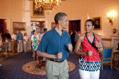 President Barack Obama and First Lady Michelle Obama pretend to march to music in the Blue Room of the White House, July before delivering remarks to military families during a Fourth of July celebration. (Official White House Photo by Pete Souza) Michelle Obama, Barack Obama Family, Malia Obama, Obamas Family, First Black President, Mr President, Black Presidents, Greatest Presidents, American Presidents