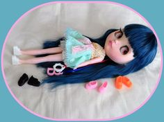 """4 pair shoe for your 12"""" Blythe doll."""