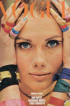 La Peau: A moda dos anos 60 vista pelas capas da Vogue