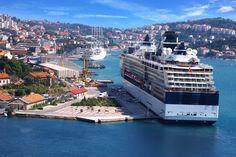 Živio sveti Vlaho!: Dubrovnik slavi svog nebeskog zaštitnika - http://apoliticni.hr/zivio-sveti-vlaho-dubrovnik-slavi-svog-nebeskog-zastitnika/