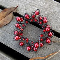 Wreath Crafts, Wire Crafts, Diy And Crafts, Great Christmas Gifts, Diy Christmas Ornaments, Christmas Decorations, Wire Ornaments, Rock Painting Patterns, Valentine's Day Diy