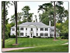 LOVE this classic Southern home.
