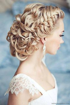 #Wedding hair ♡ How to organise an entire wedding, within your budget … so much wedding planning information … for less than a cup of coffee https://itunes.apple.com/us/app/the-gold-wedding-planner/id498112599?ls=1=8 ♥ Weddings by Colour http://pinterest.com/groomsandbrides/boards/ ♥