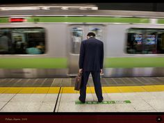 Steve McCurry. Japan 2008 http://stevemccurry.wordpress.com/2013/05/16/grief-grind-and-glory-of-work/