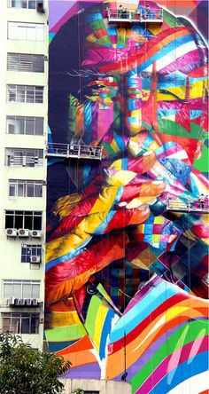 Brazilian street artist Eduardo Kobra created a 52 meters tall and 16 meters wide mural to commemorate the famous Brazilian architect Oscar Niemeyer, who Graffiti Art, Arte Grunge, Grunge Art, Pablo Picasso, Kobra Street Art, Oscar Niemeyer, Artisan & Artist, Amazing Street Art, Awesome Art