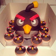 Angry Bird bomb cake xxx