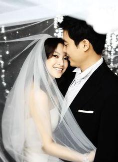 Park Jae Gwan (not famous) & shin ae (actress)