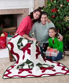 Showcase your crochet abilities with this wonderful throw! Your family will love having this festive throw as part of their holiday decorating tradition.