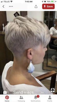 Thin Hair Cuts asymmetrical pixie cut for thin hair Short Punk Hair, Short Blonde Pixie, Pixie Haircut For Thick Hair, Thin Hair Cuts, Long Pixie, Short Wedge Hairstyles, Very Short Haircuts, Pixie Hairstyles, Hairstyles With Bangs